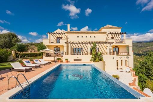 Private und geräumige Villa mit Panoramablick in Benahavis