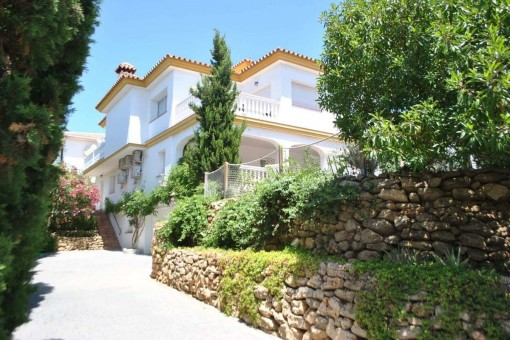 Atemberaubende Villa in Mijas Costa mit Sonnenterrasse und herrlichem Meerblick