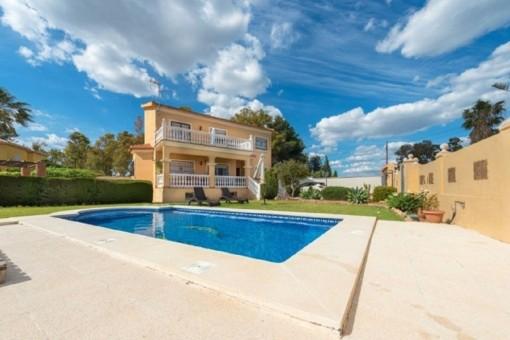 Wundervolle Villa in bester Lage zwischen Málaga Stadt und dem Strand von Torremolinos