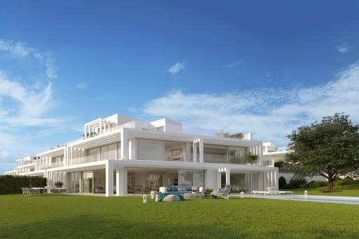 Luxuriöse, zeitlose 6-Schlafzimmer-Villa mit Meerblick und Blick auf den Golfplatz in Sotogrande