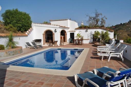 Rsutikales Landhaus mit Pool in idyllischer Umgebung in Cómpeta