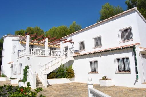 Elegante Villa mit atemberaubendem Meerblick in Cómpeta