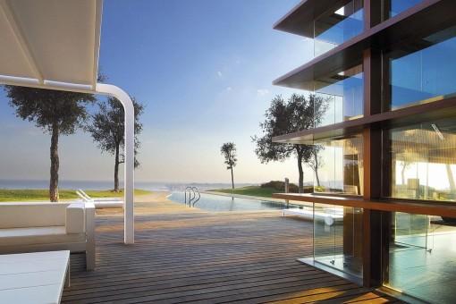 Atemberaubende Luxusvilla in einer natürlichen Umgebung und Meerblick direkt in Benalmádena