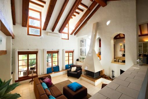 Geräumige Villa im Landhausstil in einer einzigartigen natürlichen Umgebung in Casares