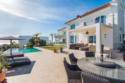 New Golden Mile  - Familienvilla Los Flamingos mit Blick auf die Berge und das Meer
