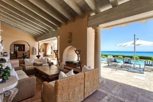 Alternativer Anblick von der bedeckten Terrasse