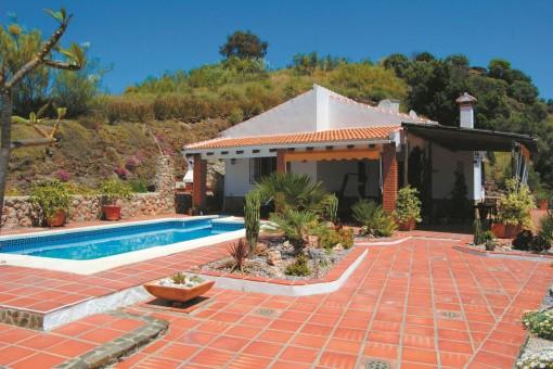 Charmante Finca mit großzügiger Terrasse und herrlichem Ausblick in Cómpeta