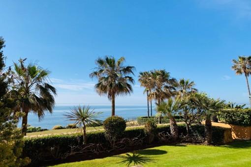 Luxuriöse 3 Schlafzimmer Strandwohnung in Granados del Mar in Estepona