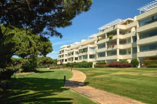 Schöne Wohnung im ersten Stockwerk mit herrlichem Blick auf den Strand und das Meer in Los Granados del Mar