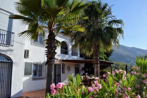 Schönes Landhaus mit Pool und Panoramablick in Cómpeta