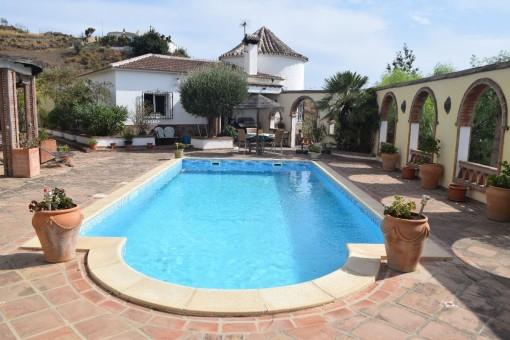 Charaktervoller Landsitz mit Ausbaumöglichkeit in La Viñuela