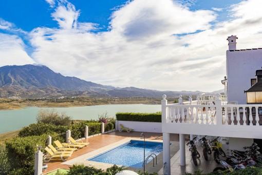 Attraktive Villa mit fantastischem Blick auf den See, 3 Schlafzimmer, großer Terrasse und Pool in Viñuela