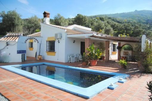 Ausgezeichnete 3-Schlafzimmer-Villa mit Pool und herrlichem Bergblick in Cómpeta