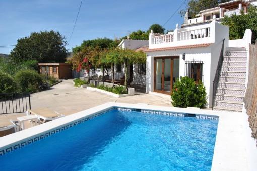 Ausgezeichnete Villa nur wenige Gehminuten vom Dorf entfernt mit herrlichem Meer- und Bergblick in Canillas de Albaida