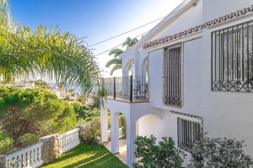 Wunderbare Villa mit herrlichem Meerblick, Garage und Pool nur 600 m vom Strand in Algarrobo-Costa entfernt