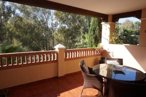 Großes Appartment direkt am Golfplatz in Marques de Atalaya, Estepona